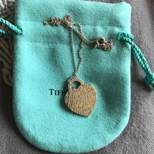 Tiffany & Co.  New York notes Pendant necklace